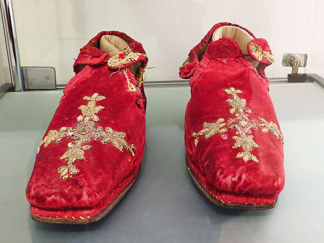 Pair of shoes belonging to Pope Alexander VII