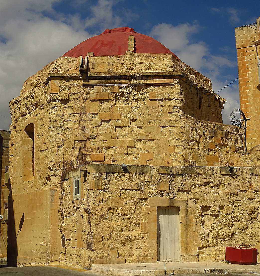 An ancient chapel in Kalkara
