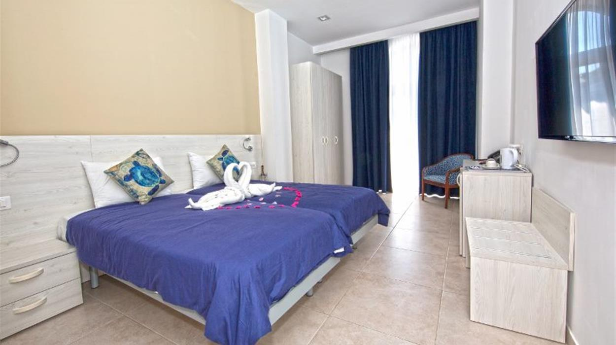 Room at the Gillieru Harbour Hotel, Malta