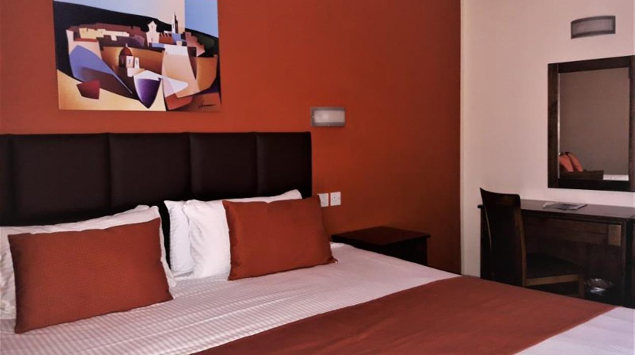 Downtown Hotel Gozo - Street View Room