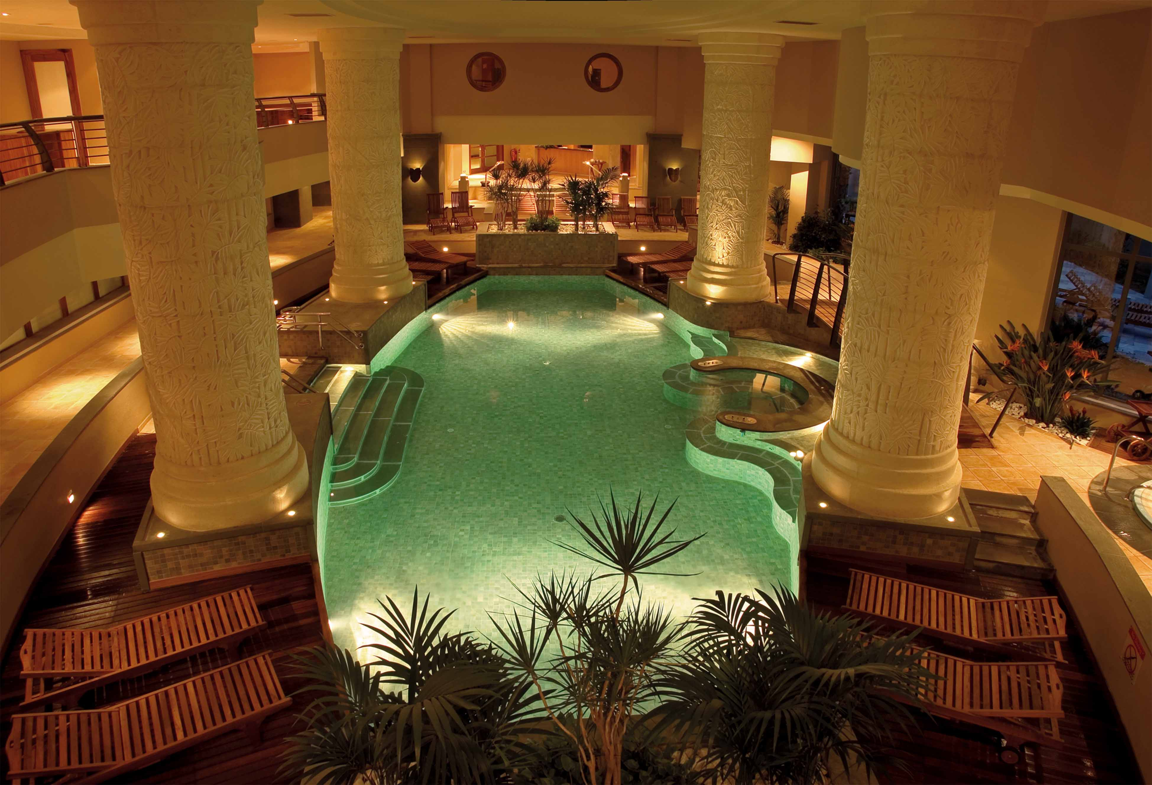 Le Meridien Heathed Indoor Pool