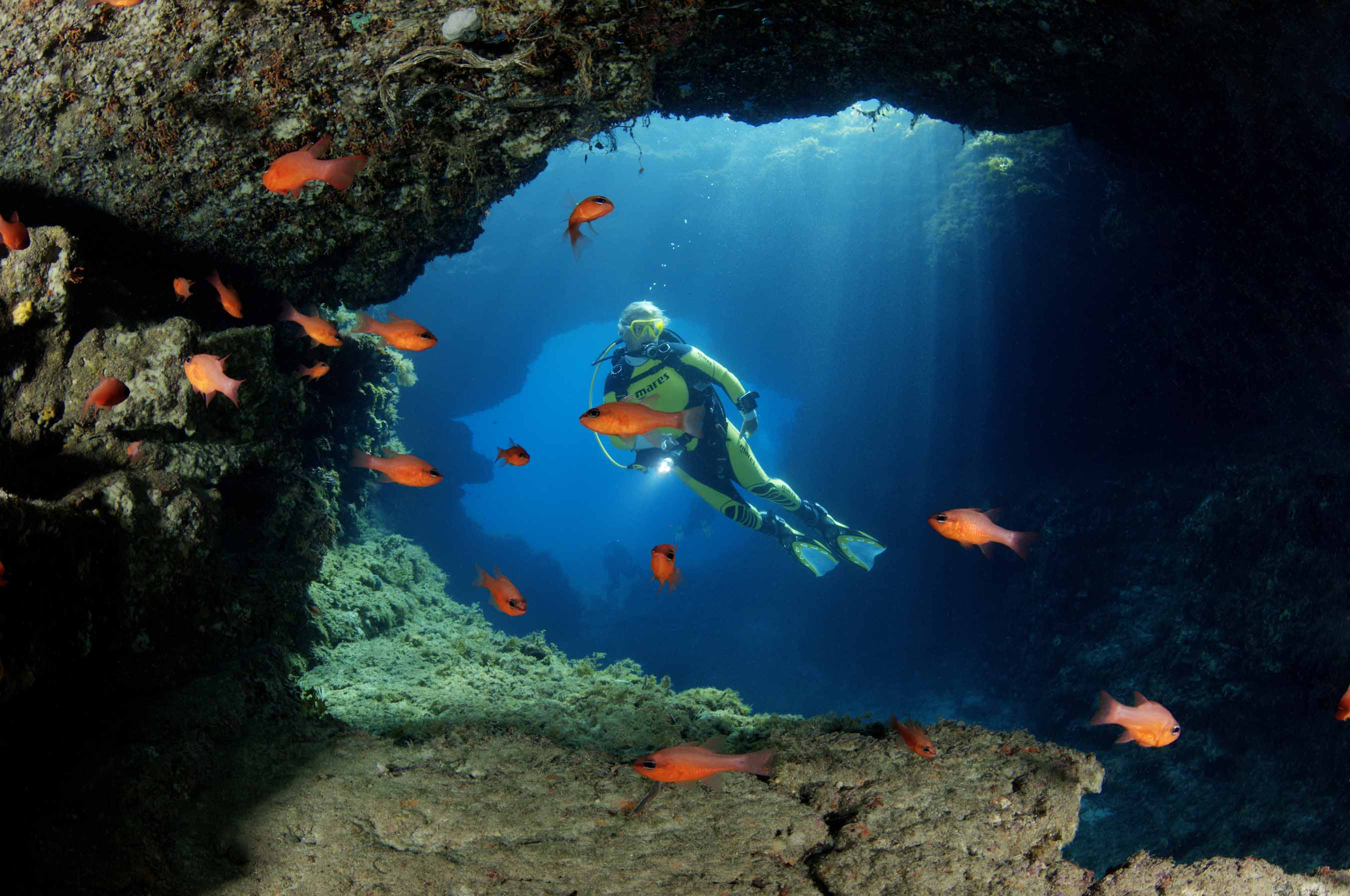 Dive the Blue Hole, Malta